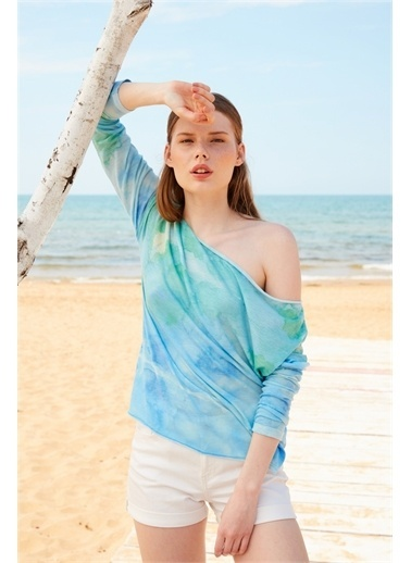 Latin Quarter Sulu Boya Desenli Kayık Yaka Oversize Uzun Kollu T-shirt Mavi